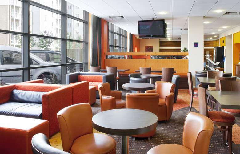 Holiday Inn Express Slough - Bar - 1