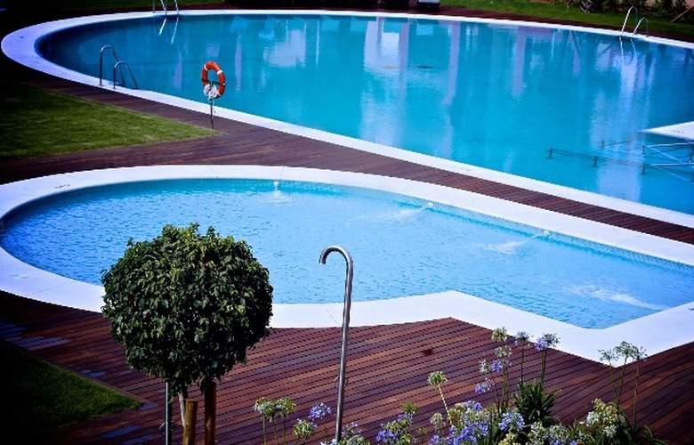 AMA Islantilla Resort - Pool - 10