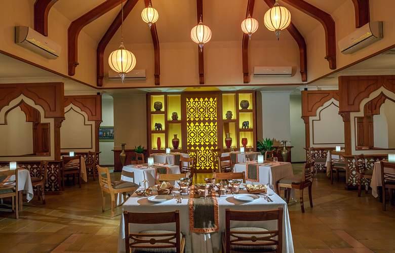 Kurumba Maldives - Restaurant - 38