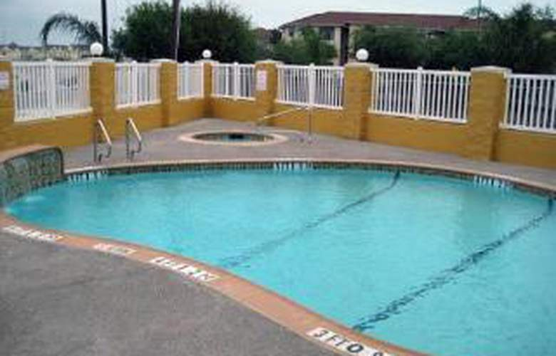 Comfort Suites Near Texas A and M - Corpus Christ - Pool - 4