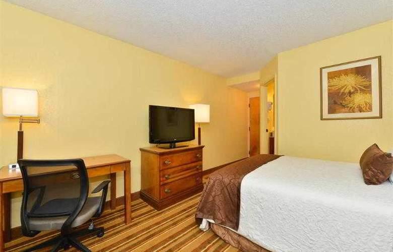 Best Western Plus Richmond Airport Hotel - Hotel - 67