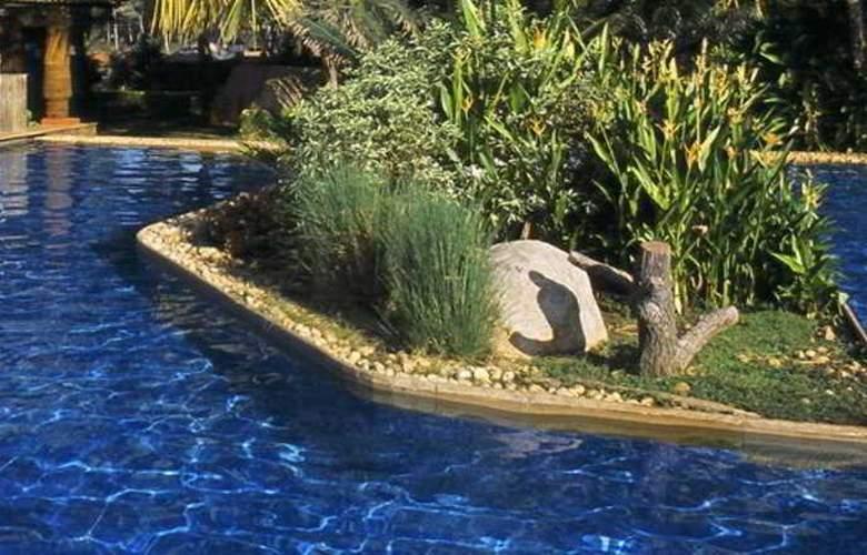 Kenilworth Beach Resort - Pool - 16