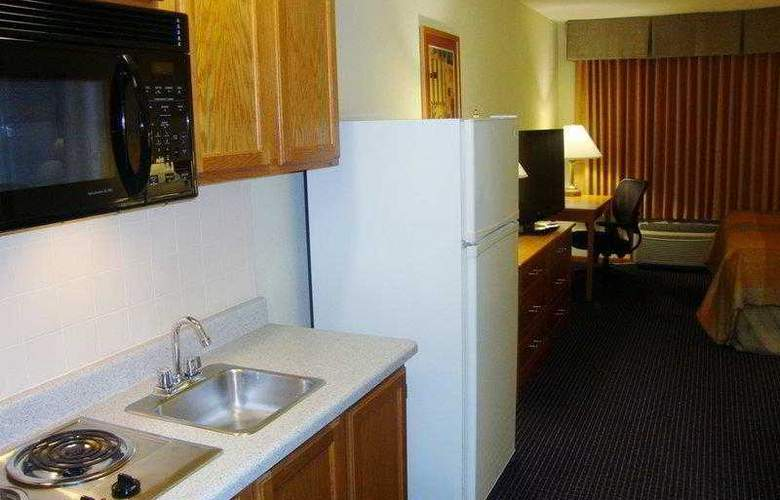 Best Western West Towne Suites - Hotel - 19