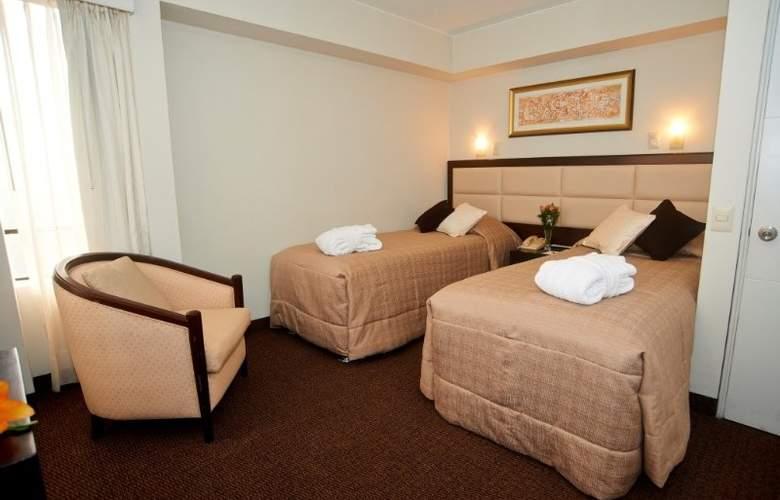 Roosevelt Hotel & Suites - Room - 5