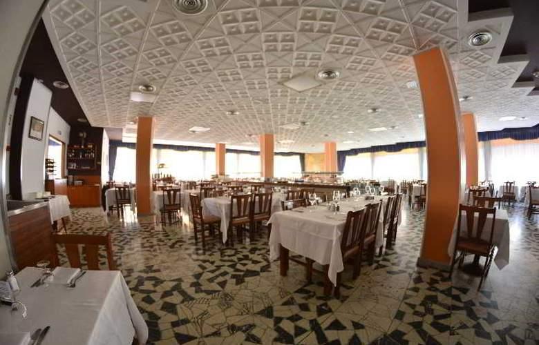 Santa Rosa - Restaurant - 16