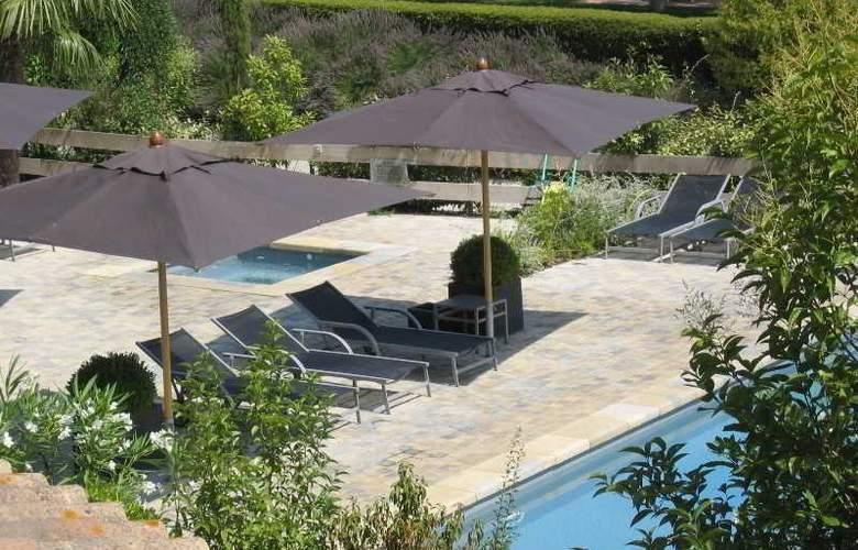 Montmorency - Pool - 24