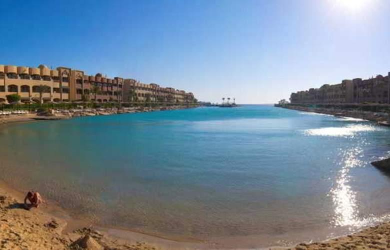 Sunny Days El Palacio Resort - Beach - 3