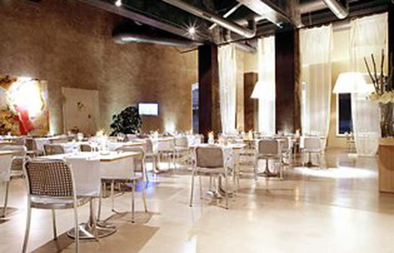 Cosmo Hotel Palace - Restaurant - 7