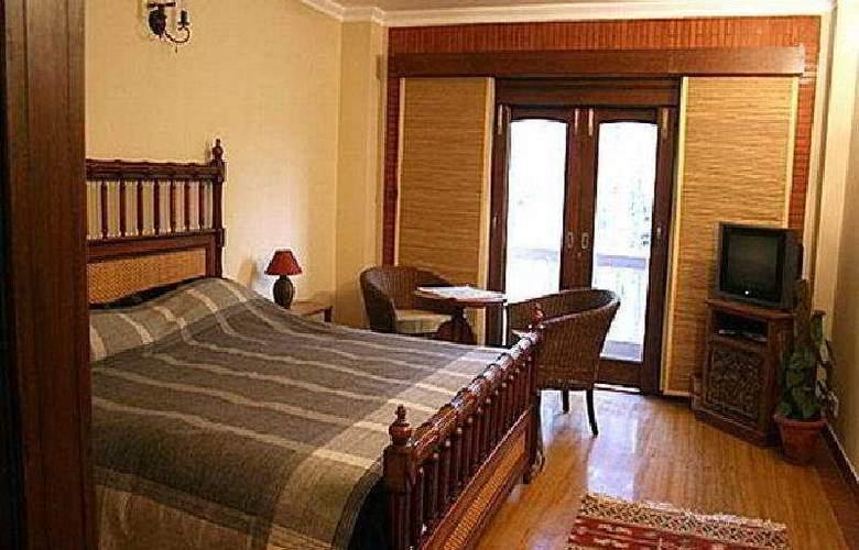 The Estate - Room - 4