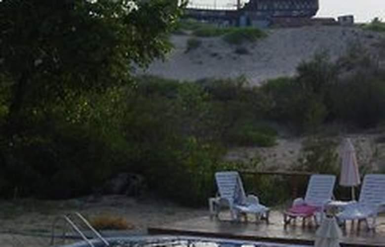 Amphibia Beach Complex - Pool - 3