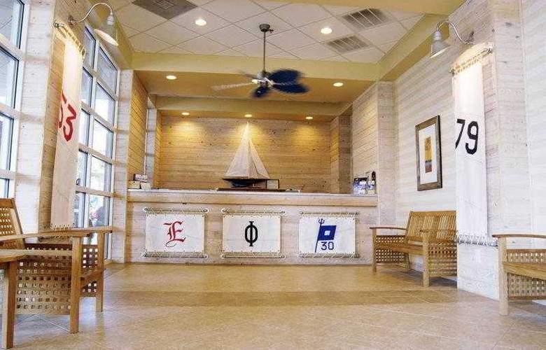 Carolinian Beach Resort - Hotel - 4