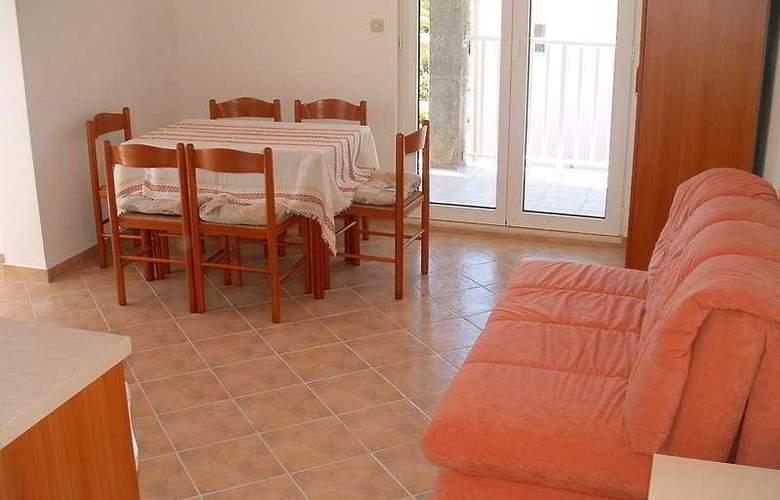 Apartmani Irena - Room - 4