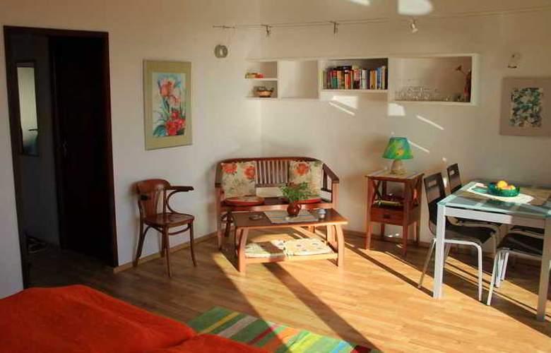 Apartamentos Miranda - Room - 22