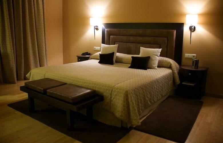 Hospes Palacio de Arenales - Room - 13