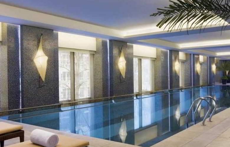JW Marriott - Pool - 9