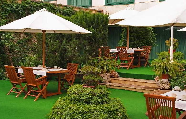 Tryp Barcelona Apolo - Restaurant - 28