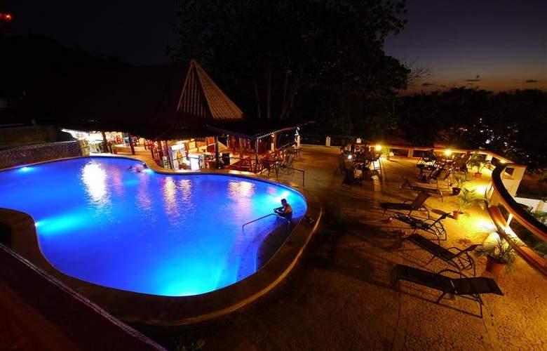 Best Western Tamarindo Vista Villas - Pool - 23