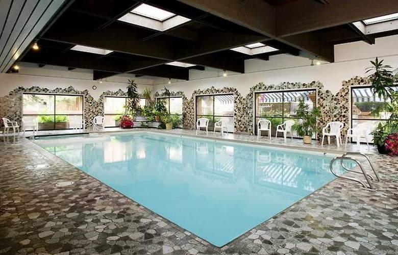 Marmot Lodge - Pool - 6