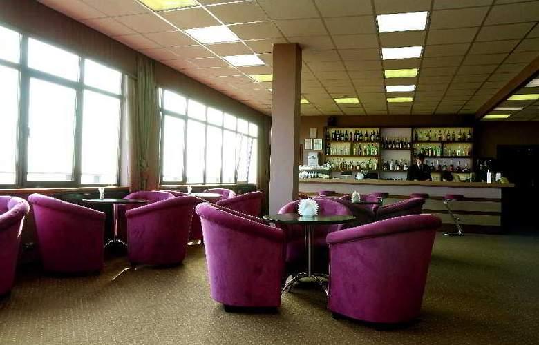 Dnister Premier Hotel - Bar - 6