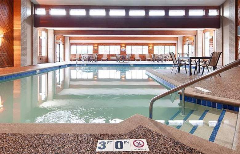 Best Western Ambassador Inn & Suites - Pool - 73