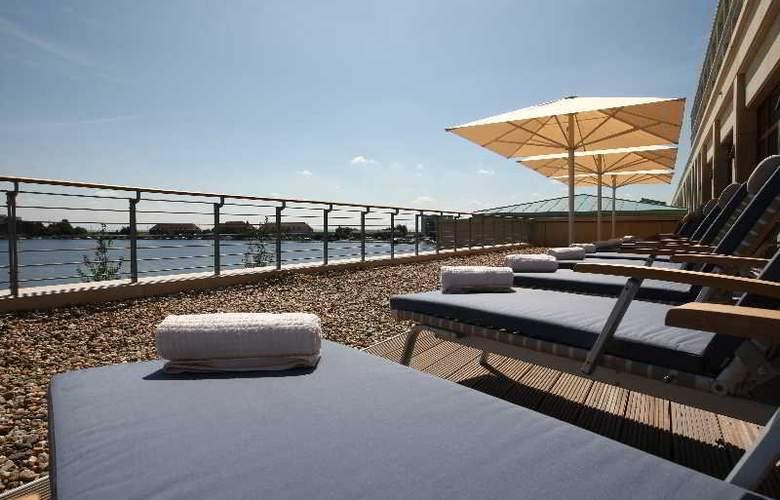 Atlantic Hotel Wilhelmshaven - Terrace - 9