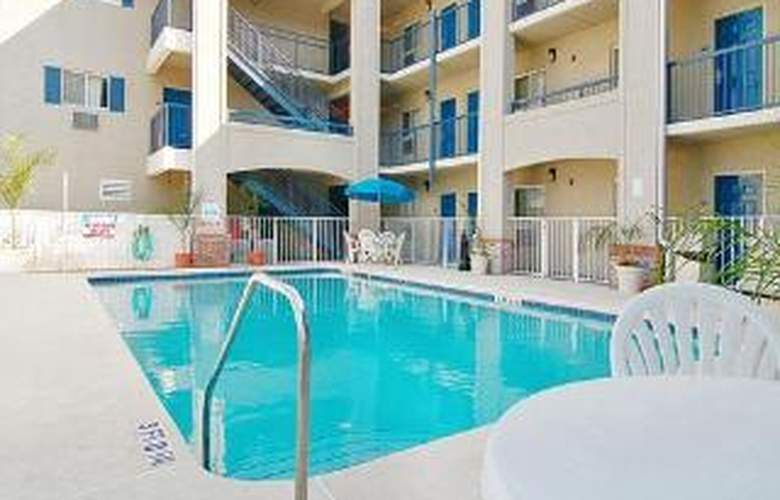 Suburban Extended Stay - Pool - 3