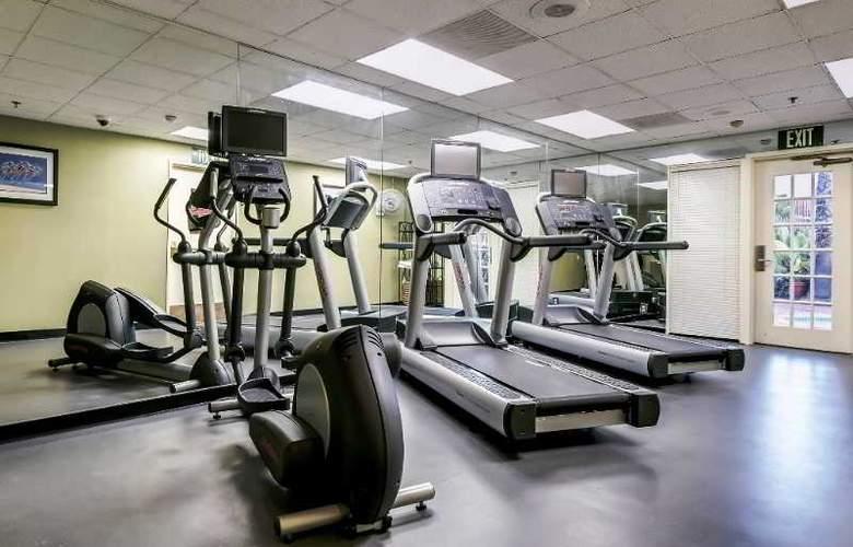 Holiday Inn Select San Diego North Miramar - Sport - 7