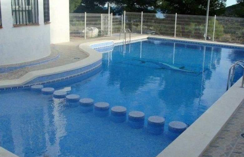 Font Nova - Pool - 3