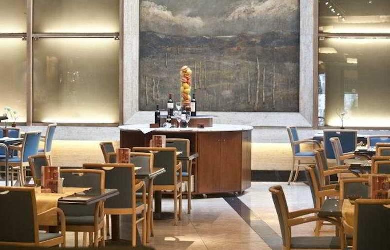 NH Urbano - Restaurant - 6