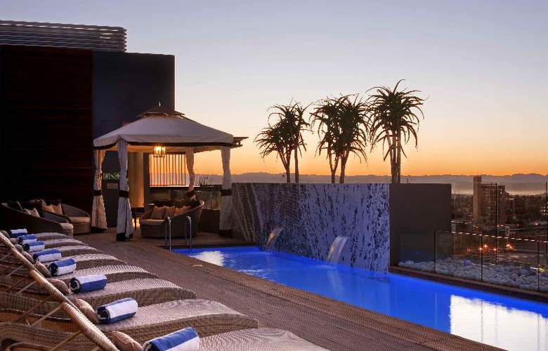 Hilton Windhoek - Terrace - 16