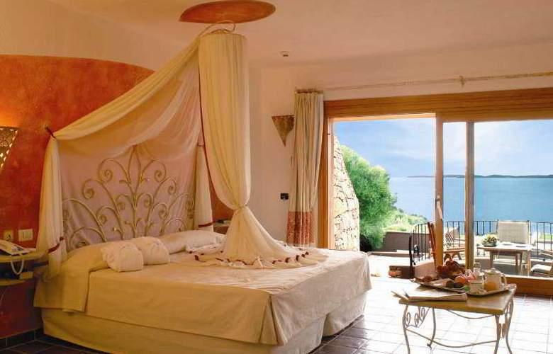 Capo D'Orso Palau - Room - 0