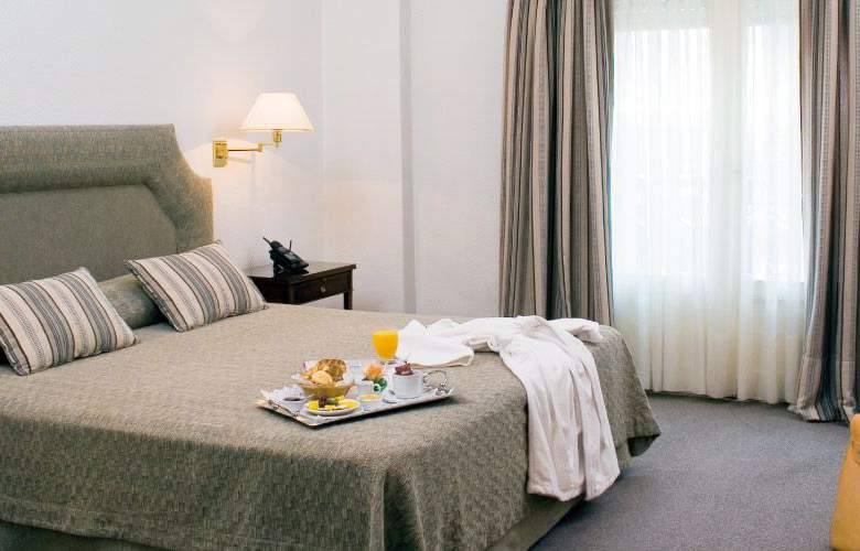 Lafayette - Room - 1