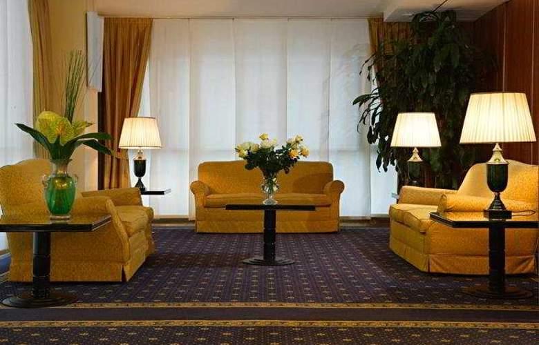 Plaza - Hotel - 7