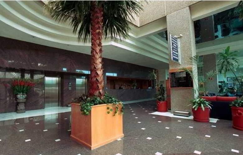 Krystal Urban Aeropuerto Ciudad de México - General - 0