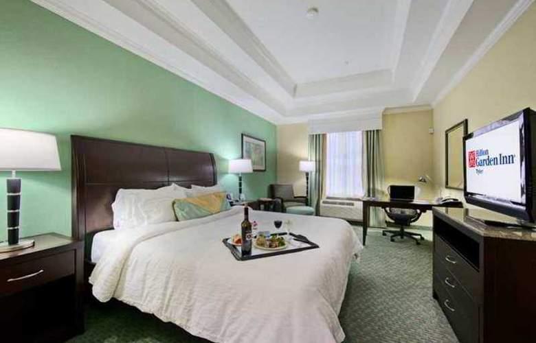 Hilton Garden Inn Tyler - Hotel - 1