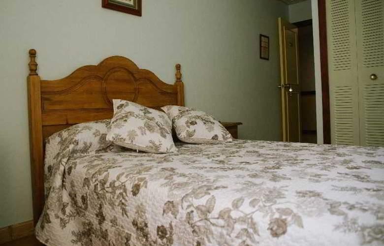 Sierra Aracena - Room - 33