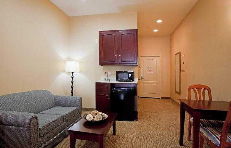 Holiday Inn Express and Suites LAX - Hawthorne - Room - 17