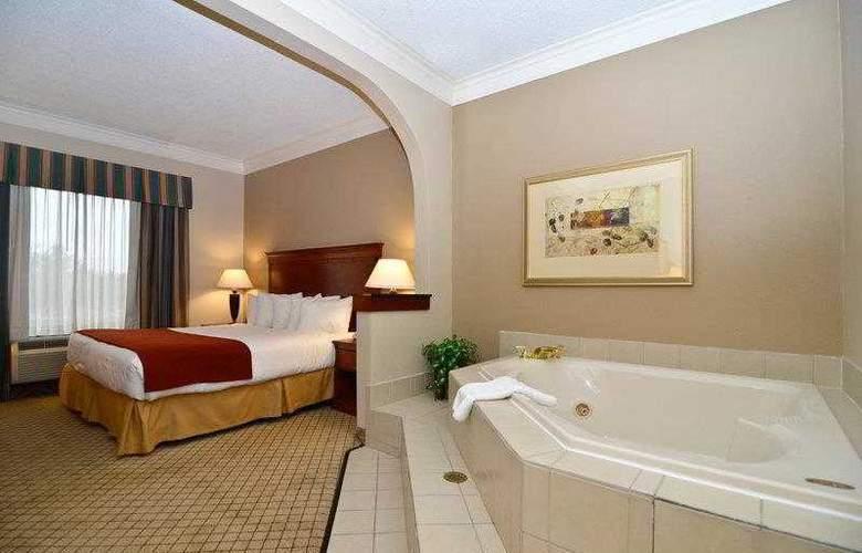 Best Western Plus Madisonville Inn - Hotel - 3