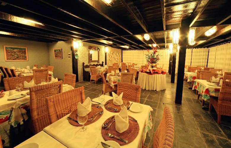 Hotel Armacao - Restaurant - 3