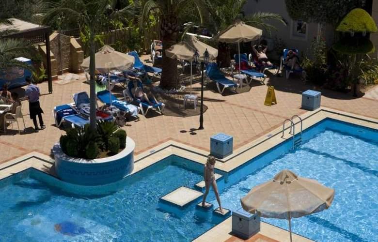 Zeus Village - Pool - 14