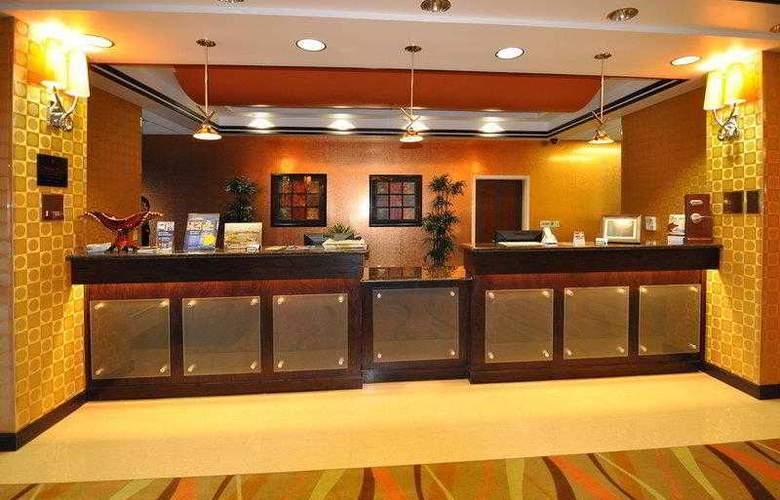 Best Western Plus Jfk Inn & Suites - Hotel - 3