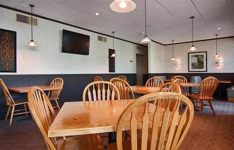 Best Western Syracuse Airport Inn - Restaurant - 31