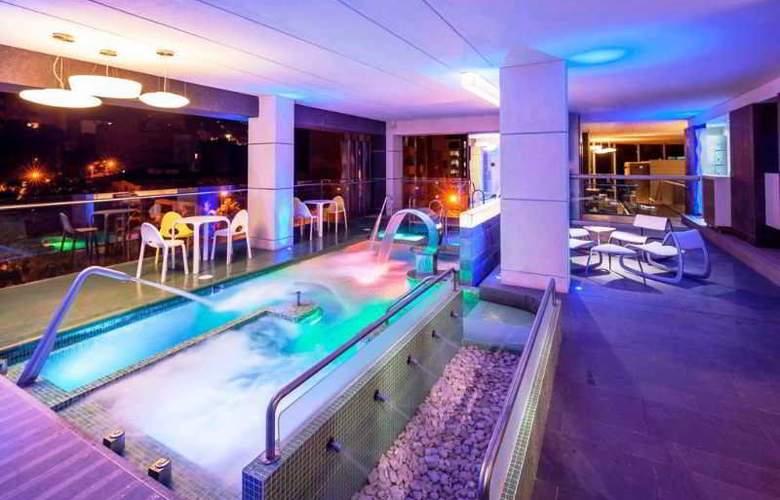 Inntu Hotel - Pool - 1