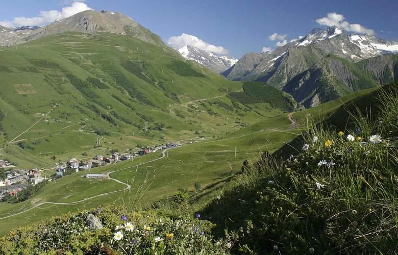 Mercure Les Deux-Alpes 1800 - Environment - 16