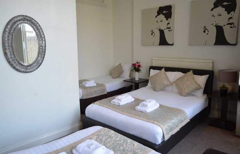 1 Lexham Gardens - Room - 13