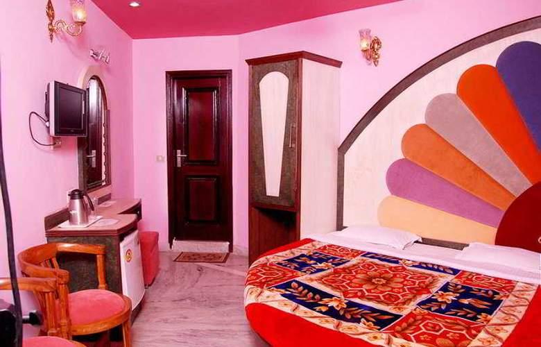 Karat 87 Inn - Room - 5