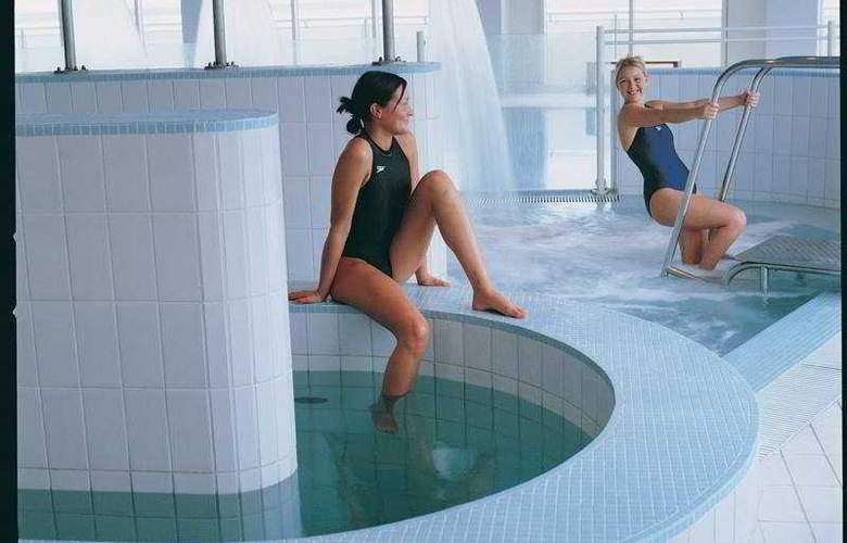 The St Davids Hotel and Spa - Pool - 4