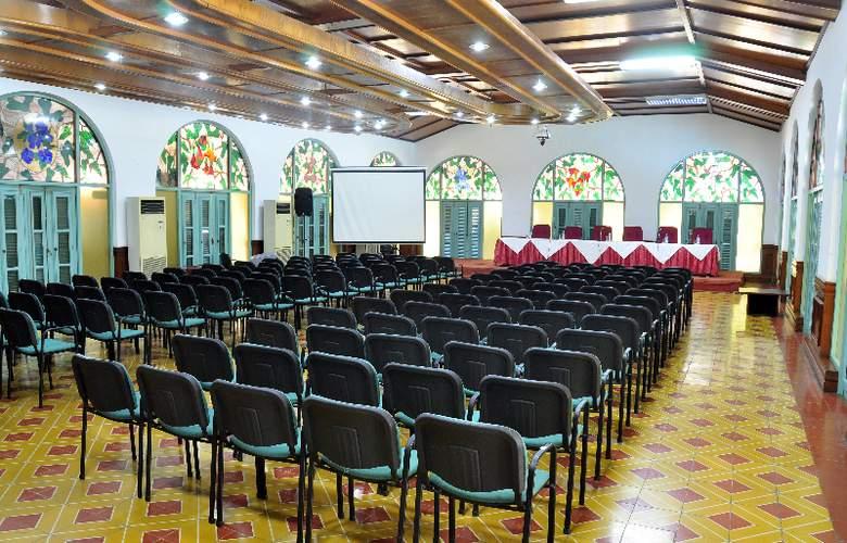 Comodoro - Conference - 4
