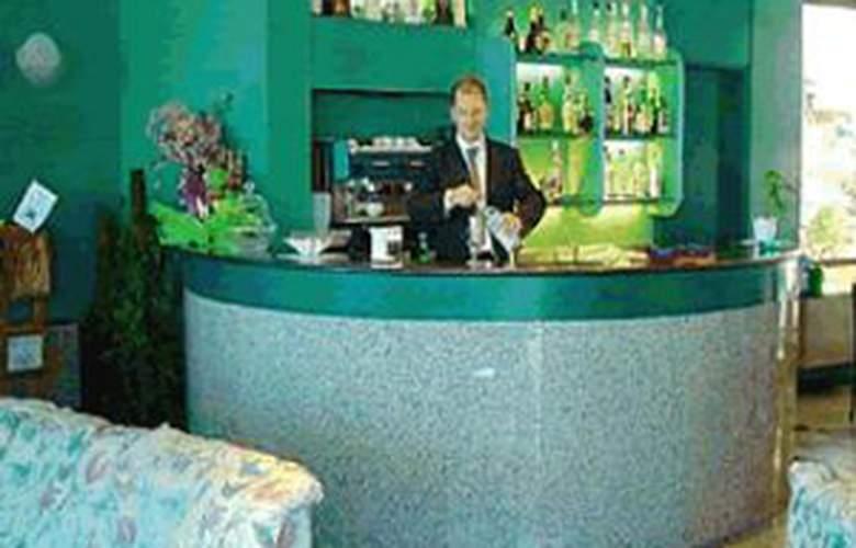 Plaza - Hotel - 1