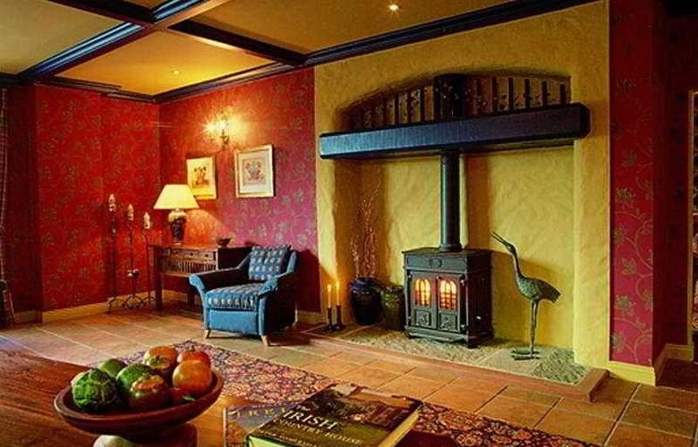 Whitegates Traditional Pub & Accommodation - General - 1